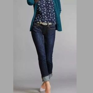 Cabi high straight jeans strtchy size 6 style 3386
